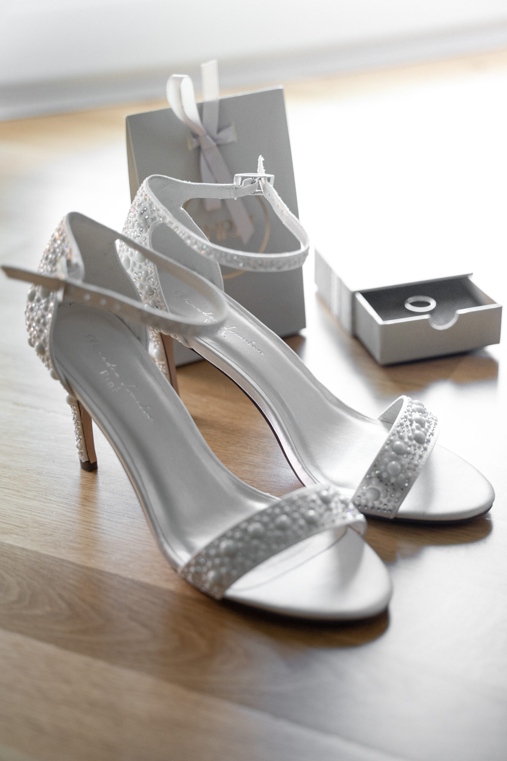 Hochzeitsfotografie-Hochzeitsfilm-Hochzeitsschuhe-Brautschuhe
