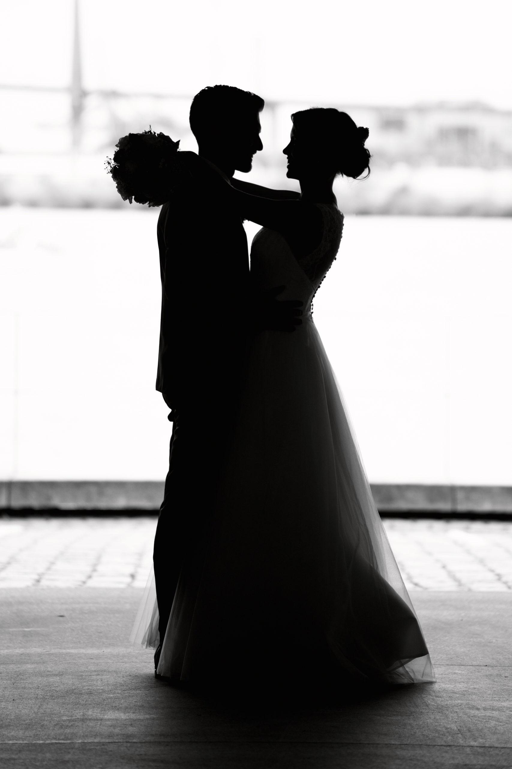 Hochzeitsfotografie, Hochzeitsfilm, schwarz-weiß, Hafencity